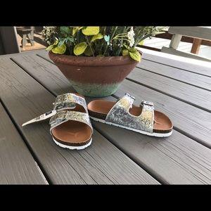 Gap Girls Silver Glitter Cork Sandals- NEW ☀️